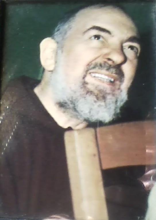 Padre_Pio_chair1